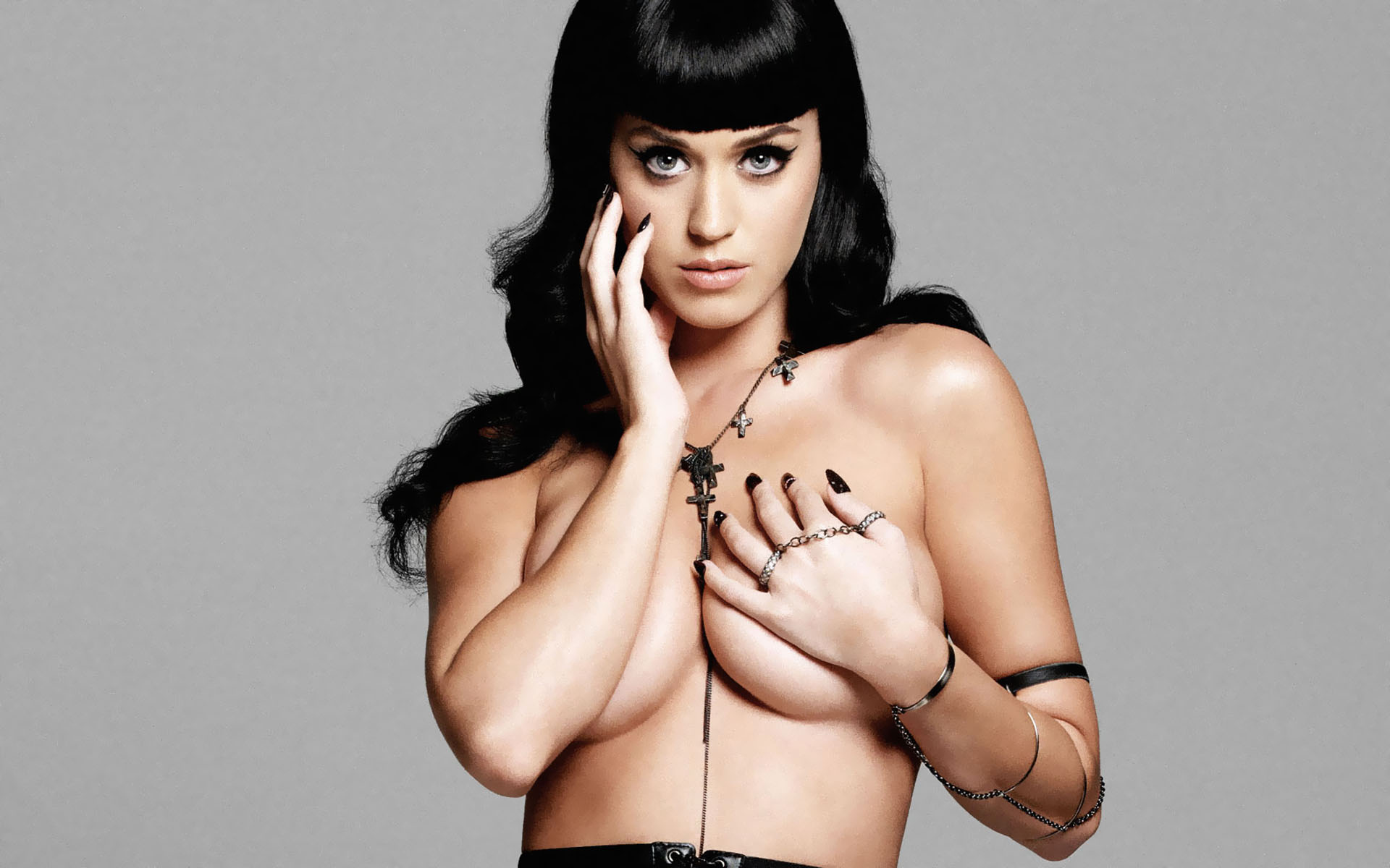 Topless Katy Perry her breasts